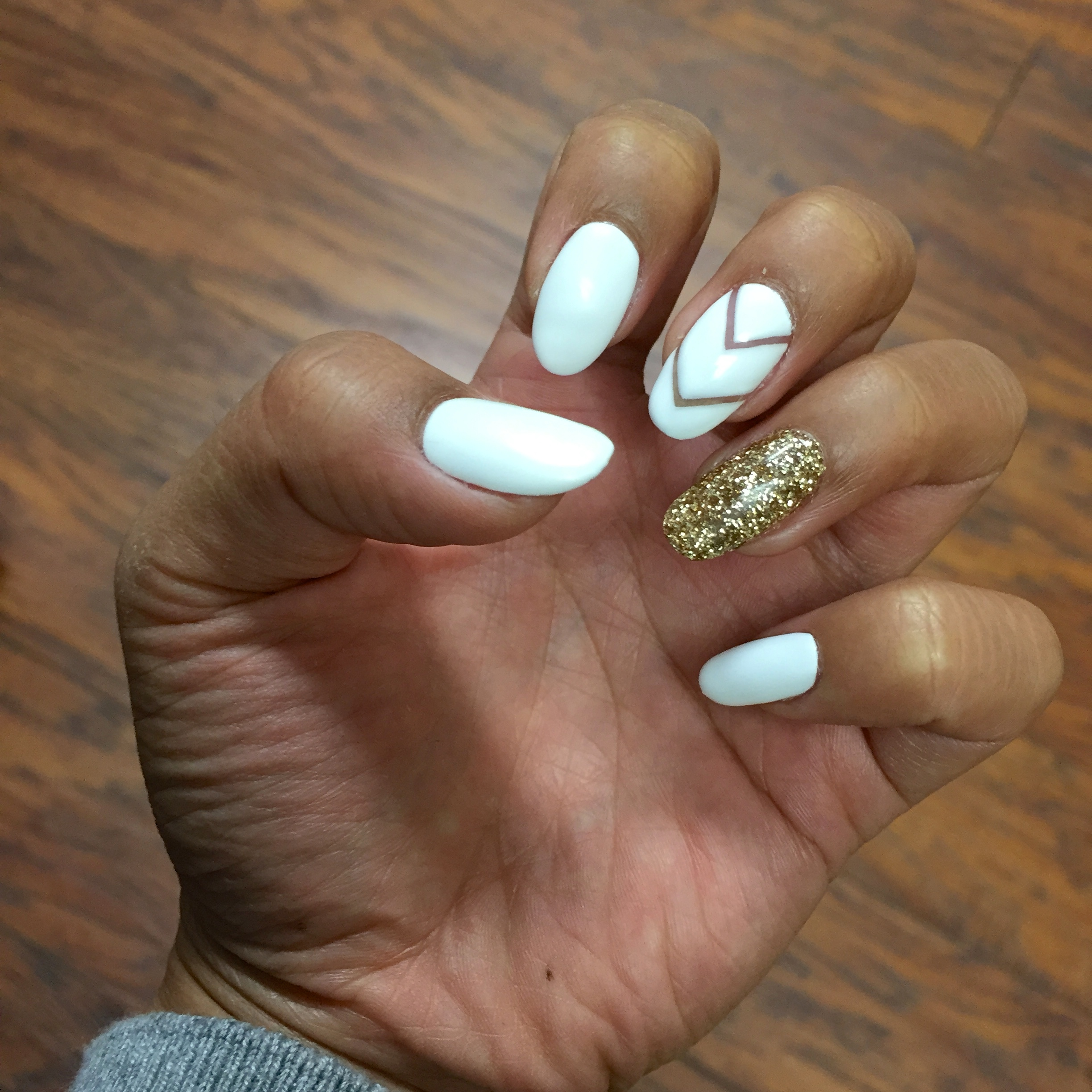 white and gold nails Archives | Tia Alese Wong
