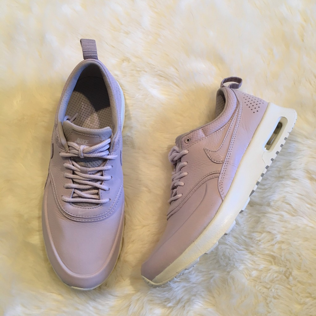 PASTEL PURPLE NIKELAB AIR MAX THEA