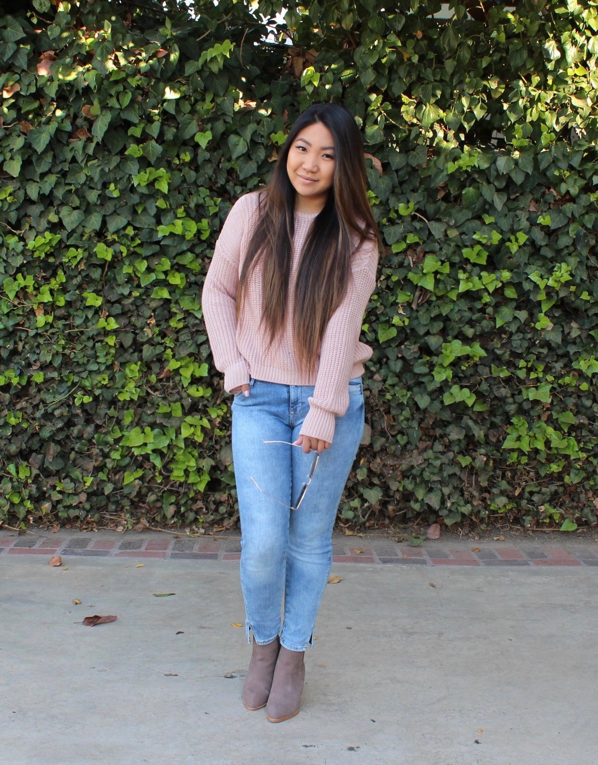 Tia Wong - Pink Knit Pullover Sweater